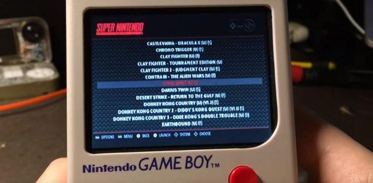 """Hackeó un Game Boy para que un """"cartucho"""" tenga cientos de juegos."""