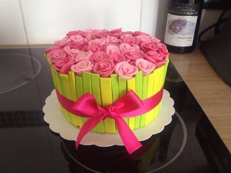 G teau id al anniversaire ou f tes des m res ou grand m re id es g teaux p te a sucre pinterest - Gateau pour la fete des meres ...