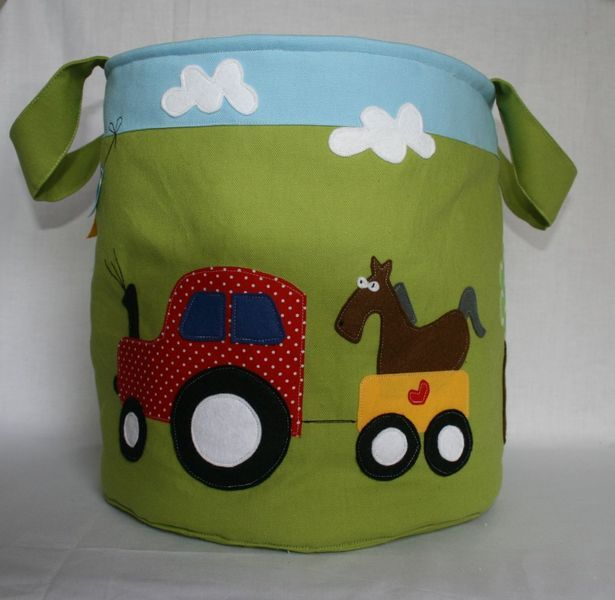 Spielzeugtasche Traktor von Ann Siuts - mit Liebe genäht auf DaWanda.com