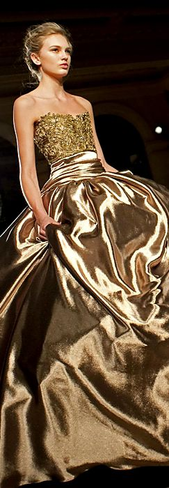 Marchesa via @jinab. #gold #Marchesa