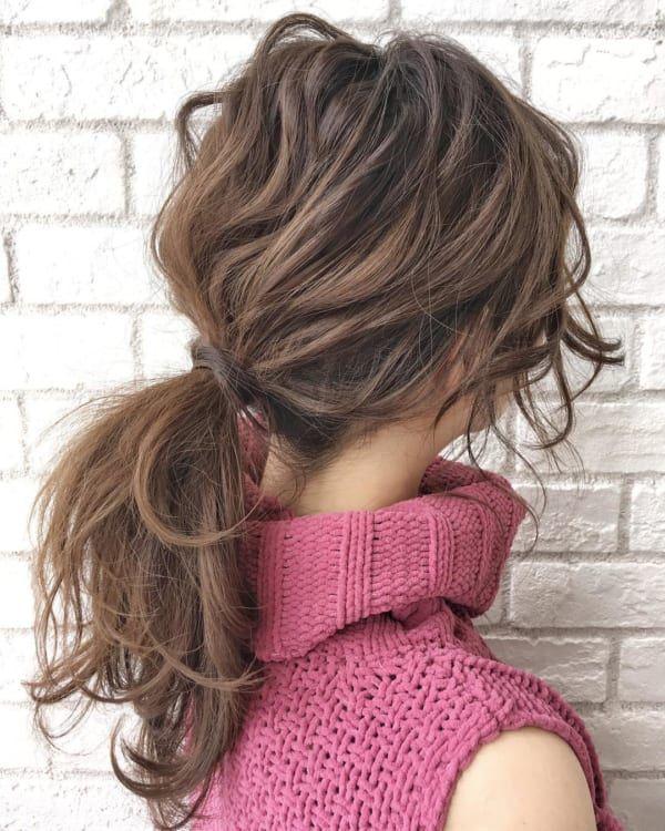 冬でも可愛いまとめ髪を楽しみたい ニットに合うまとめ髪特集
