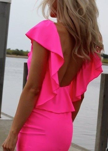 Neon pink backless dress perfection!
