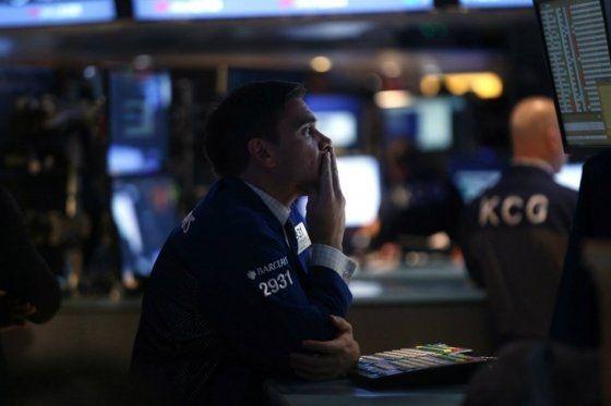 Simply Q : Wall Street se hunde y Dow Jones pierde más de 300 puntos
