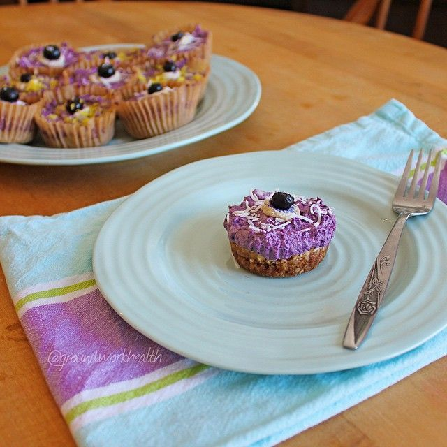 Raw Vegan Blueberry Cheese(cup)cakes