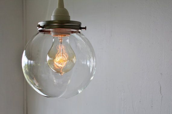 CRYSTAL BALL Hanging Pendant Lamp With A Clear Round por BootsNGus