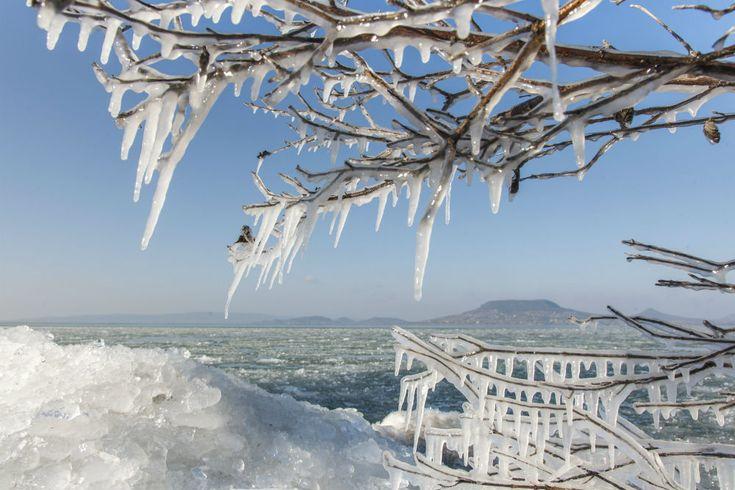 Nézegess szép képeket a befagyott Balatonról! http://www.nlcafe.hu/utazas/20160119/befagyott-balaton/