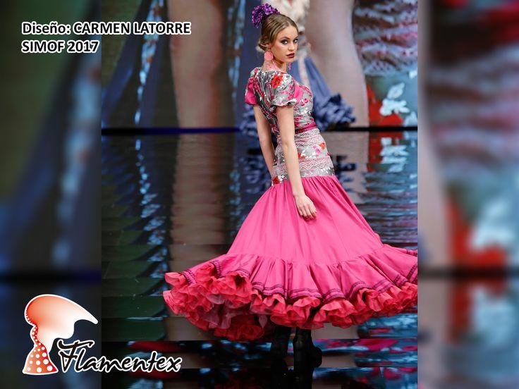 """Diseño de Carmen Latorre Alta Costura en su colección """"Polichilena"""" Entidad promotora Doble Erre - Agencia de Moda y Comunicación Fotografía Chema Soler"""