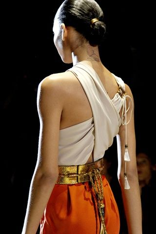 Gucci Prêt-à-porter: Chic Outfit, 2011 Tassels, Clothing Hors, Gucci Spring, 2011 Gucci, 2011 Readytowear, Fashion Inspiration, 2011 Ready To Wear, Back Details