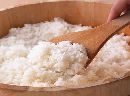 Dieta cu orez de 3 zile este considerată cea mai simplă și mai eficientă. Să slăbești rapid și ușor – oare nu acesta este visul suprem al multor femei? Poate de aceea dieta cu orez este îndrăgită și lăudată: în doar trei zile dispar 3 kg. Să fie oare adevărat? Haideți să lămurim împreună acest …