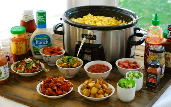 SLOW COOKER MAC & CHEESE BAR