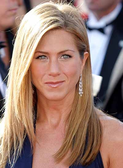 Jennifer Anniston. I want her hair! Love the color and cut.