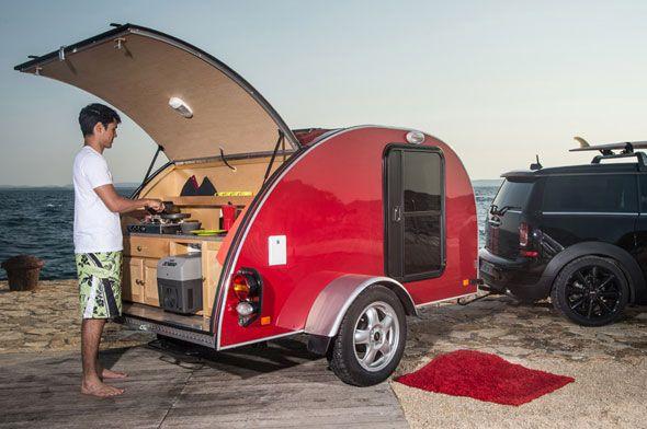"""Mini, le constructeur automobile anglais, suit la tendance écolo et compte bien faire de nous des campeurs avertis avec sa série """"MINI Clubvan Camper"""" comp"""