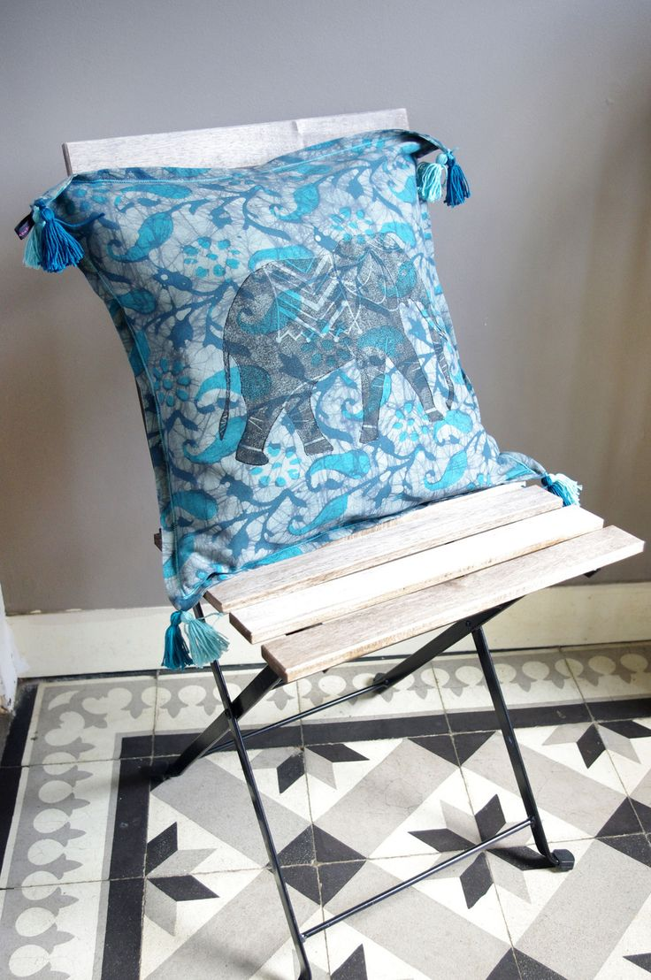 1000 ideas about coussin bleu on pinterest salon de jardin encastrable co - Salon bleu turquoise ...