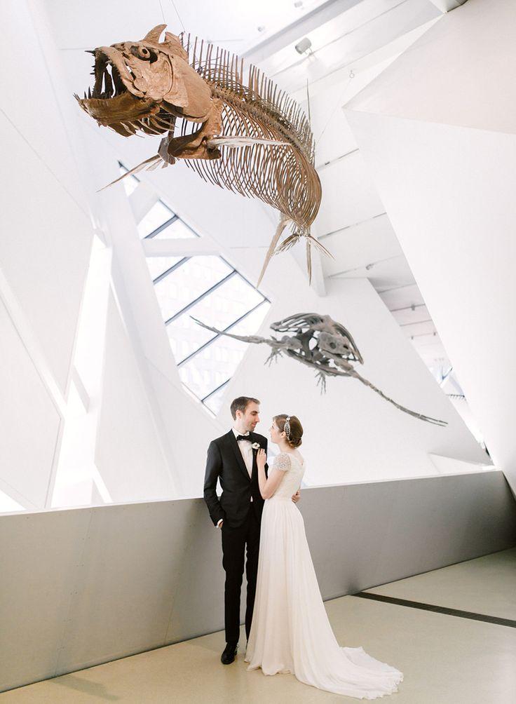Royal Ontario Museum Wedding | photo: ARTIESE (www.artiesestudios.com)    toronto wedding photographer