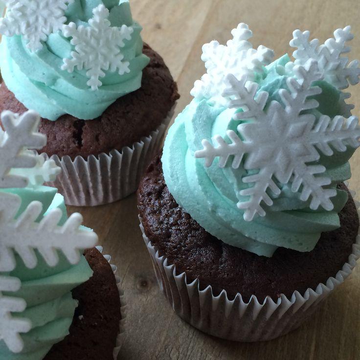 frozen winter cupcake