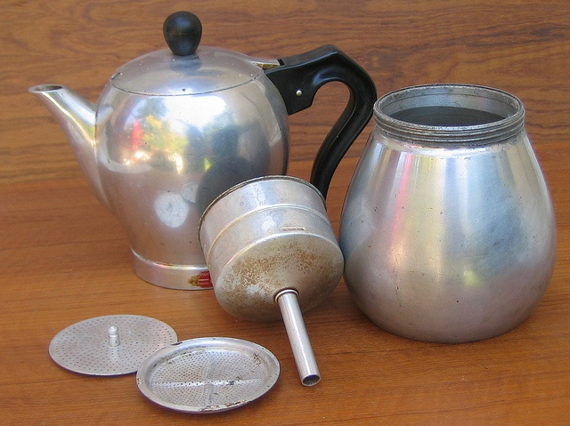 Coffee Maker Signora : LA SIGNORA CAFFETTIERA ITALY We use this every day to make coffee. Made between the 1950 s and ...