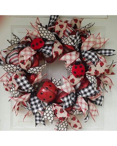 Ladybug Wreath by Melissa    CraftOutlet.com Photo Contest