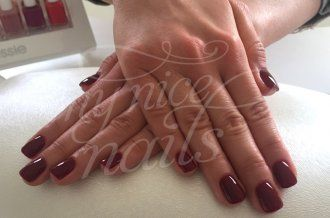 Kurze abgerundete Ecken Nägel – Naildesign   Nailart by My Nice Nails GmbH – What do you think? For more info visit us at mynicenails.ch #nails #naildesign #nailart #nailstudio