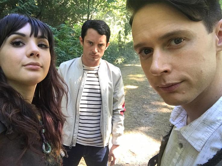 Watch season 2 premiere of @dirkgentlybbca tonight at 9/8c on @bbcamerica otherwise we won't be impressed. Here are our unimpressed faces.