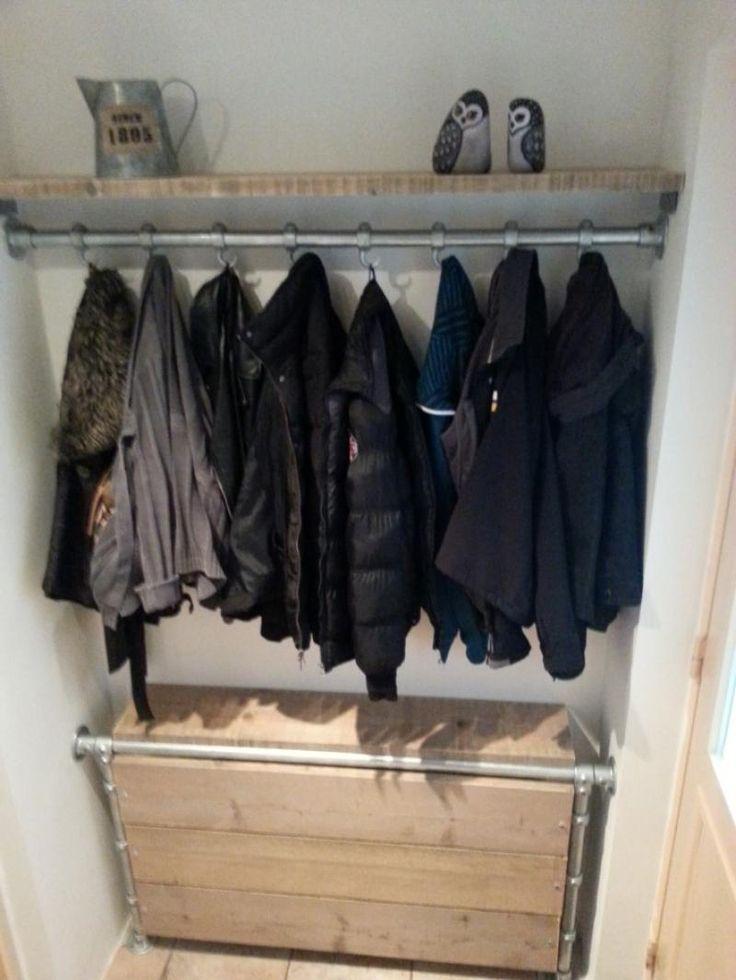 25 beste idee n over kledingrekken op pinterest kledingrekken hangkleding rekken en kleding - Meubilair storage zwart ...