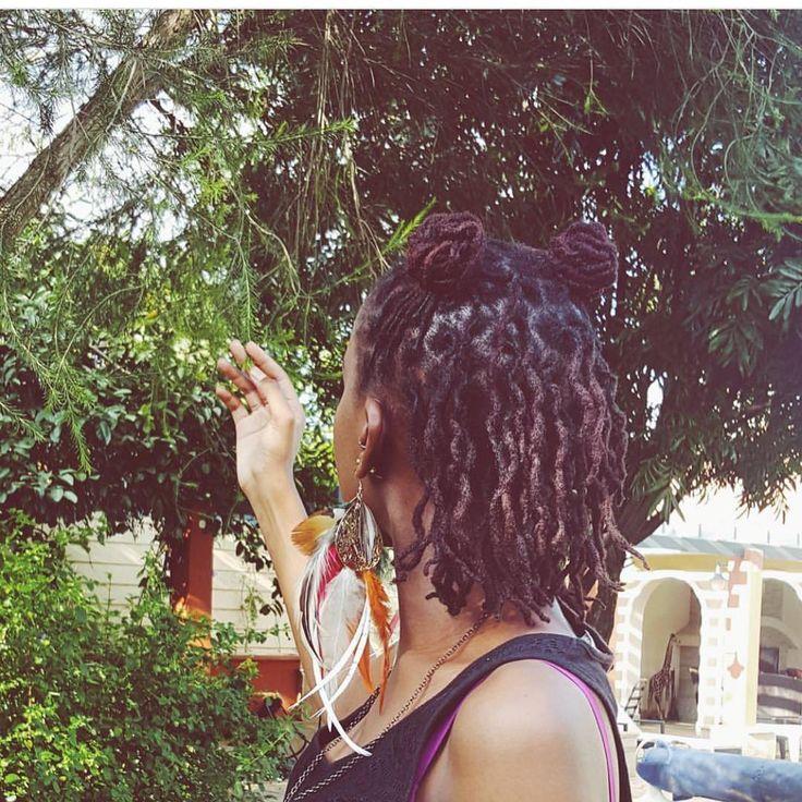 The beautiful @kenyan__belle #blackgirlsloc #melaninlocqueens #locs