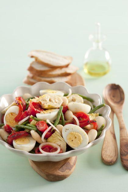Recept voor salade met witte bonen, geroosterde paprika en artisjok