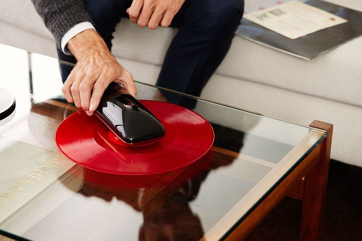 Meet LOVE, branded as the world's first intelligent turntable. LOVE scans any record to determinate a size and number of tracks...