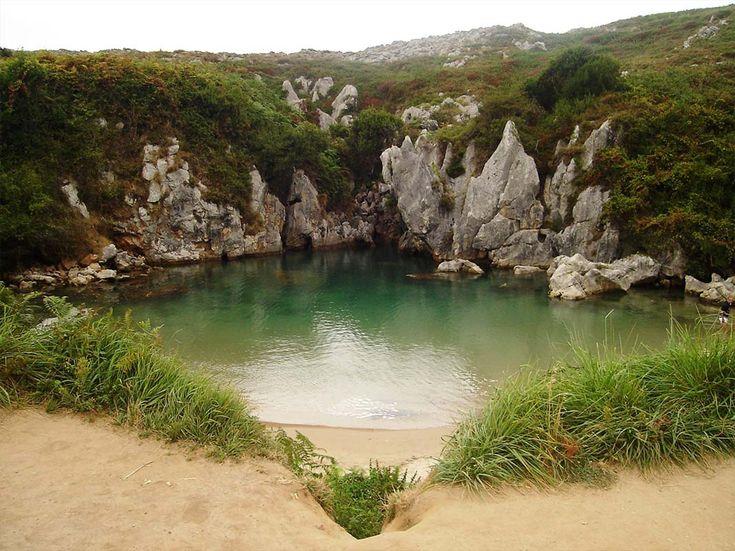 Playa Gulpiyuri (Asturias)