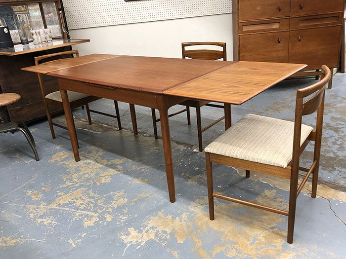 Mid Century Teak Dining Table With Two Extensions 495 Mid Century Dallas Booth 766 Lula B S 1010 N Ri Teak Dining Table Dining Table Mid Century Furniture