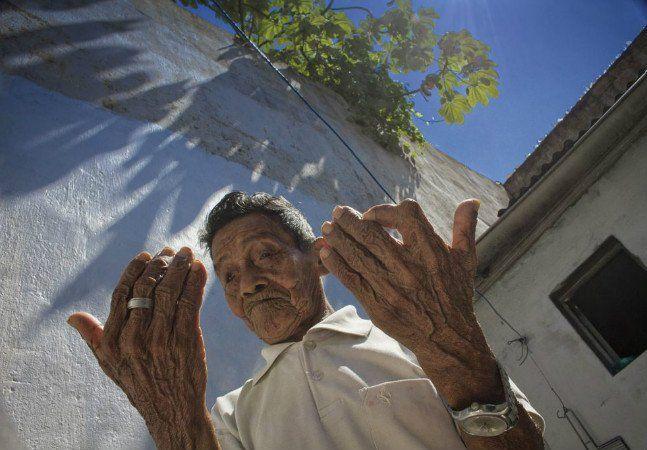 | Barserikowi'i, Centro de Medicina Indígena | Idealizado por João Paulo Barreto, doutorando em Antropologia pela UFAM e membro da etnia tukano, o centro será comandado inicialmente por Manoel Lima, da etnia tuyuka, e Ovídio Barreto, também da etnia Tukano. Os dois são Kumuã com décadas de experiência. Kumuã são especialistas indígenas do Alto Rio Negro, que desde o nascimento recebem o poder de cura e de tratamento e passam por rigorosa formação da infância até a juventude.