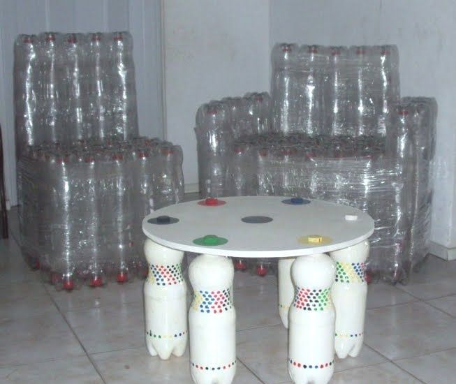 FURNITURE WITH PET BOTTLES - Need a few bottles, but you can make puff, tables, chairs, beds, etc. If you do not understand the graphics in another post of mine is a video.