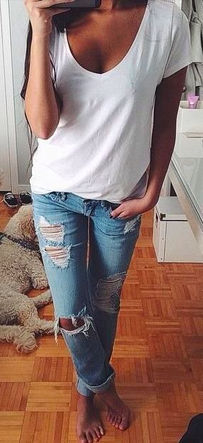 Very cute and simple outfit with the white tee shirt and ripped up jeans