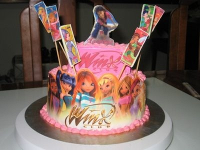 Winx club cake I know a lil girl who wld just love this!!