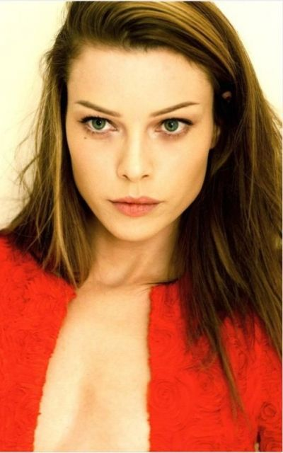Freyre's mom. Lauren German