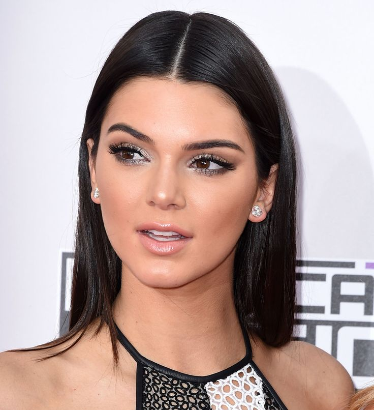 we really want to steal kendall jenner s silvery shadow look
