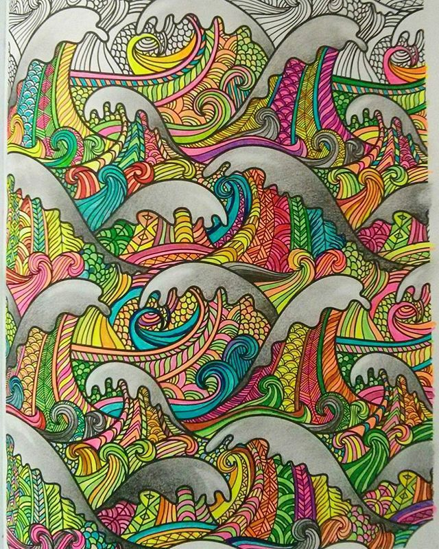 Ca de sesiune.. #coloring using highlighters #examstress #betteruseforhighlighters :p  #poshcoloringbook #colourtherapy