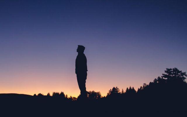 Svegliarsi presto al Mattino cambia la tua vita Svegliarsi presto al mattino cambia la tua vita. Il tuo punto di vista riguardo la giornata il temp stile di vita mattino meditazione