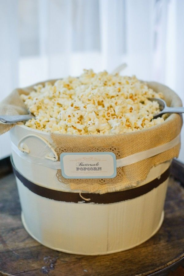 wedding popcorn bar! Oh snap! That's just my style.