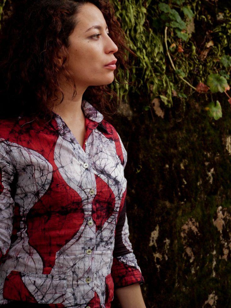 Blusa pintado a mano en 100% algodón con la técnica del batik. Diseños exclusivos!!!
