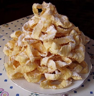 Kroštule the dish that is traditionally prepared in Dalmatia, on Brac are known as Hrstule ♥