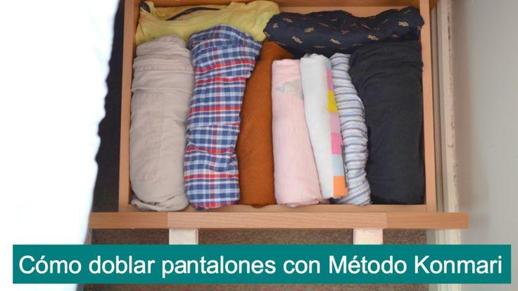 Cómo doblar pantalones para ahorrar espacio con el Método Konmari