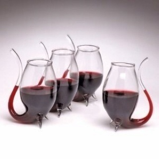 Wine sippy cups! Yay for the folks who want to avoid staining their teeth