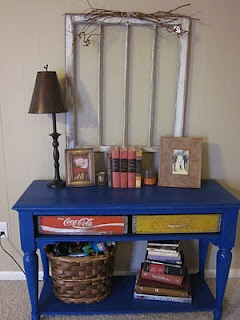 this is clever.....she took 2 old coke crates and made drawers for the sofa table......