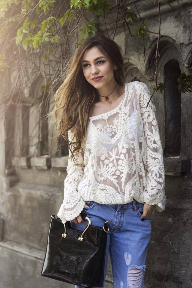 Cantareata Mira a ales geanta Danielle  http://www.adona.ro/geanta-danielle.html