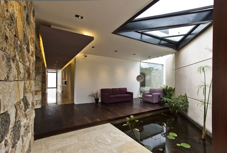 Cantilevered Home Eliminates Barriers In Favor Of Harmony