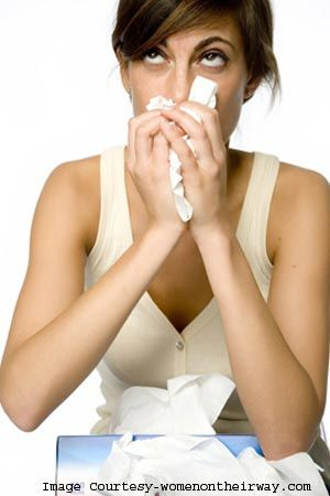 पुरुषों की अपेक्षा महिलाओं को अधिक परेशान करता है फ्लू