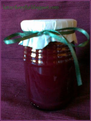 Szőlődzsem - Hozzávalók:  1000 g tisztított szőlő 250 g tisztított alma 350 g cukor 1 cs. 3:1 dzsemfix