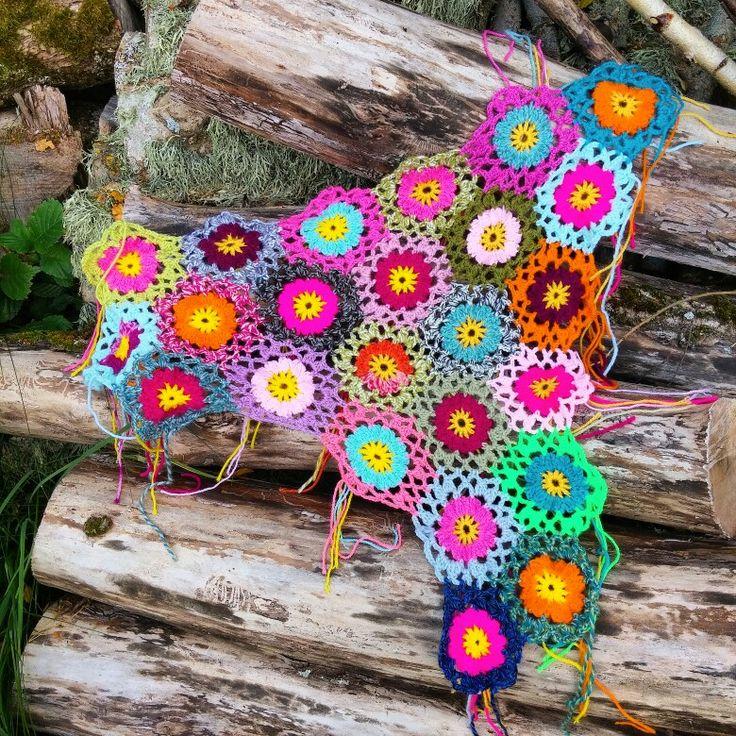 Crocheted flowers from Allers Handarbetsbok.