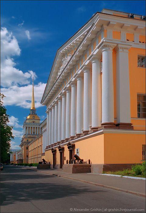 Admiralty building, Saint- Petersburg