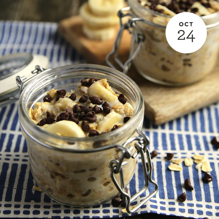 Banana Chocolate Chip Overnight Oats  INGREDIENTS: • 1⁄2 Very ripe banana • 1 Cup low-fat milk • 1 Cup Quaker® whole grain rolled oats Buy Now • 3 Tablespoon vanilla protein powder • 1 Teaspoon vanilla extract • 1⁄4 Teaspoon butter extract (optional...